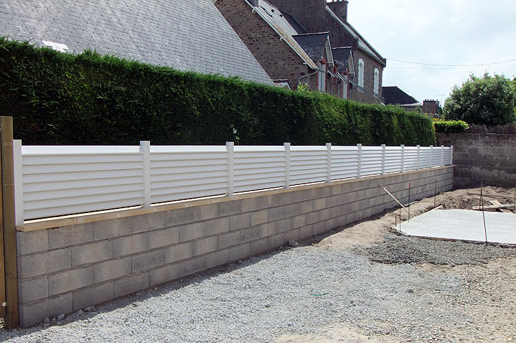 Paysagiste miniac morvan saint malo creation entretien for Cloture de jardin en beton